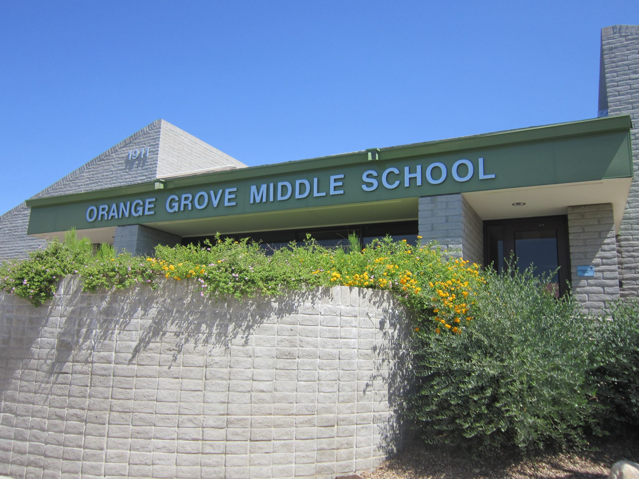 image of front of orange grove middle school